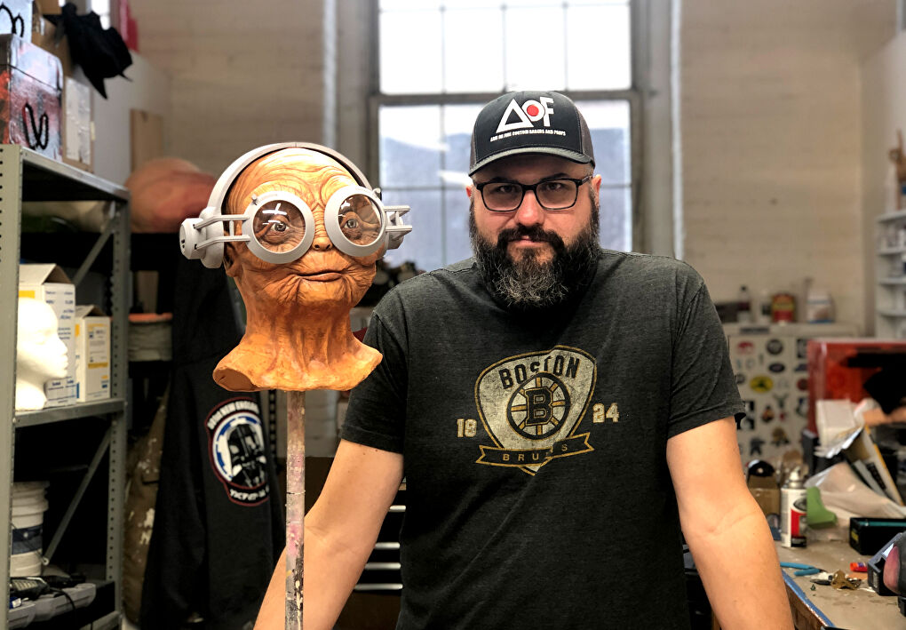 Bob Gouveia, creator of Wretched Hive Creations, with his sculpted Maz Kanata mask.
