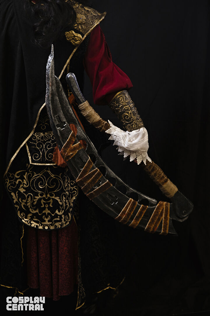 Cainhurst Knight from Bloodborne Cosplay