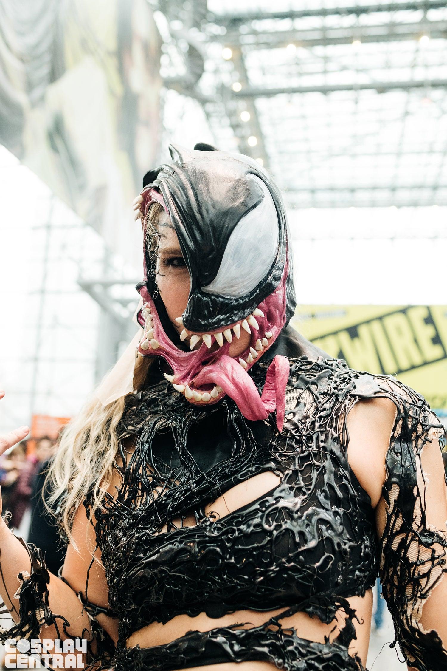 Alli Z as Venom at New York Comic Con