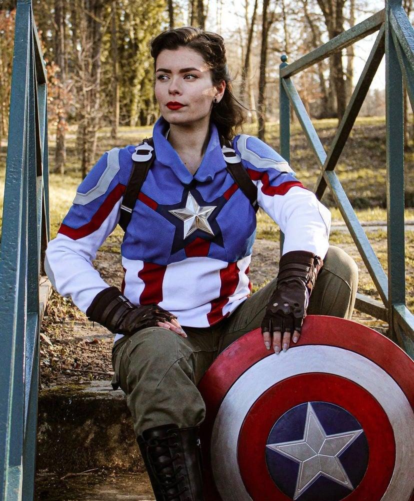 Captain Carter Cosplay
