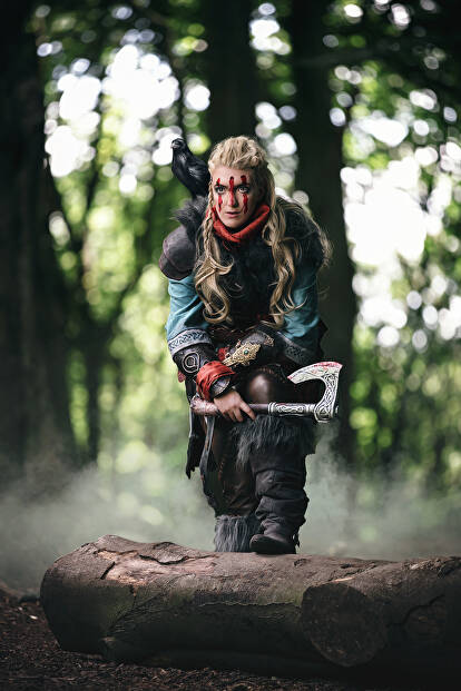 This Assassin S Creed Cosplayer Brought Eivor To Life From Valhalla Cosplay Central