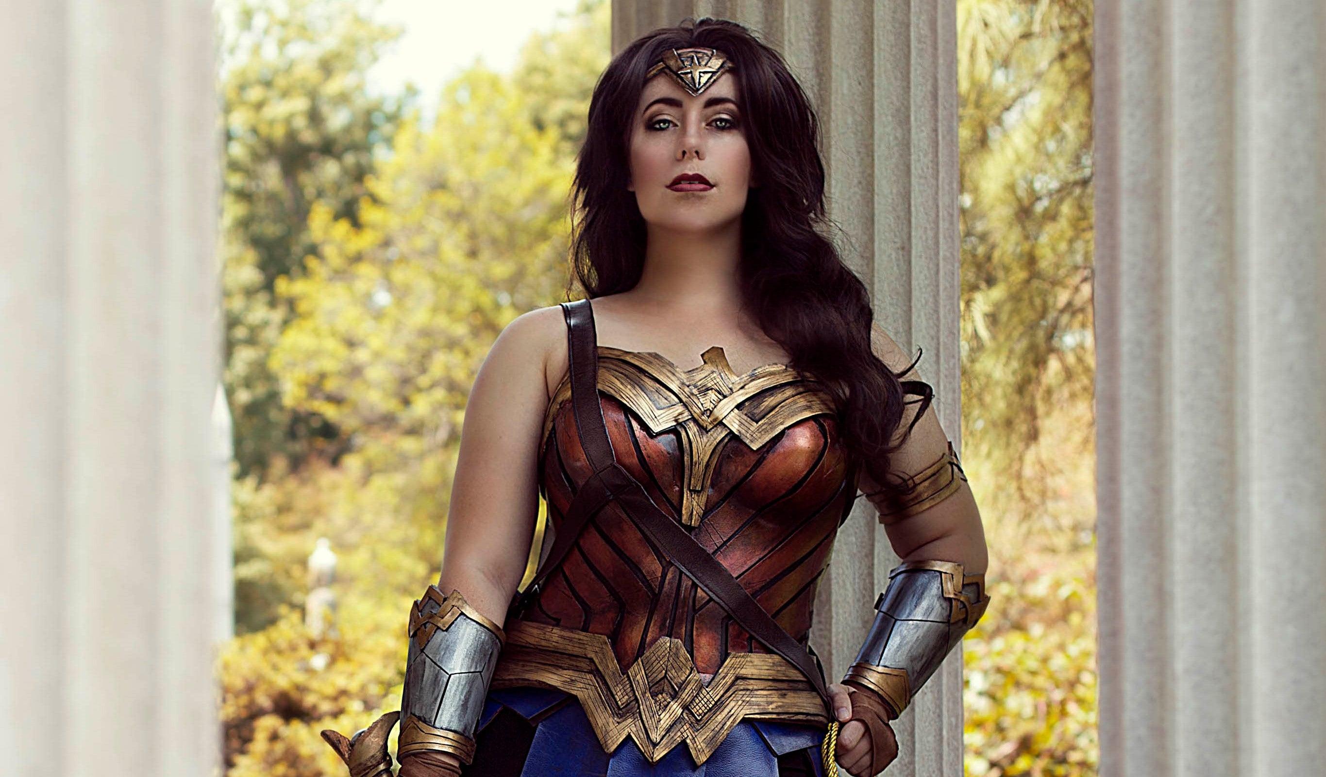 Jedimanda as Wonder Woman (Photography by Alexandra Lee Studios)